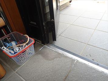 玄関内側のシミ