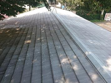 日野市三沢で屋根の造りが原因で雨漏りしている屋根は葺き替え工事で直します
