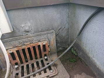 シート防水が劣化しています