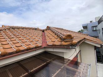 ラバーロックされた瓦屋根