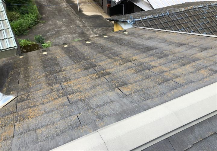 劣化が進んだスレート屋根