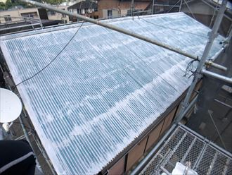 塗装前のトタン屋根