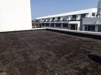 防水層が劣化した屋上