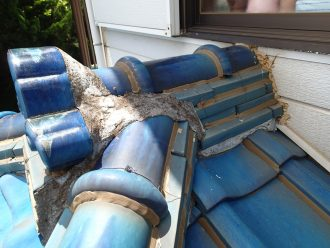 釉薬瓦屋根の点検