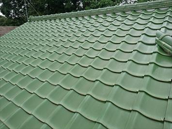 瓦葺き屋根に大きな不具合はありません