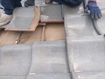 瓦葺き屋根は下地は劣化します