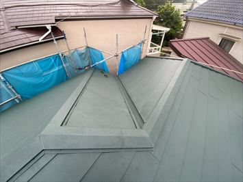 屋根葺きあがり
