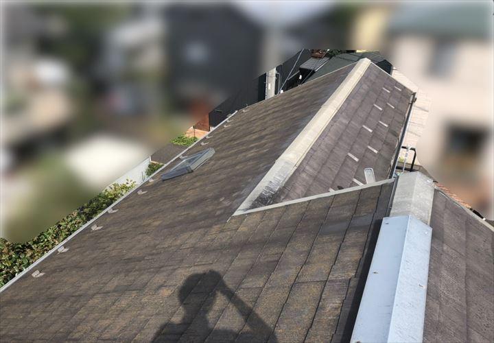 コロニアルの屋根