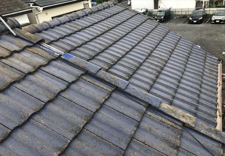 稲城市東長沼で調査した屋根はセメント瓦の屋根でした