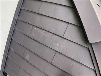 色が剥げたガルバリウムの屋根