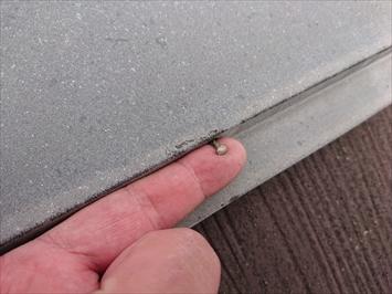 釘の浮きは下地の劣化が原因です