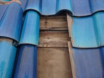 練馬区光が丘で雨漏りしている瓦葺き屋根を葺き替え工事で直します