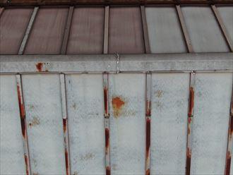 ドローンで空撮した瓦棒屋根