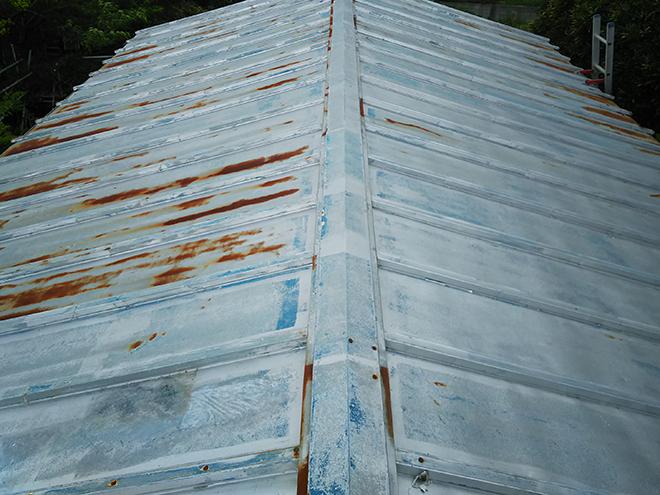 金属屋根の雨漏り調査