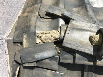台東区清川で令和元年東日本台風のご被害で棟瓦が損壊、火災保険を活用し棟取り直し工事をご提案