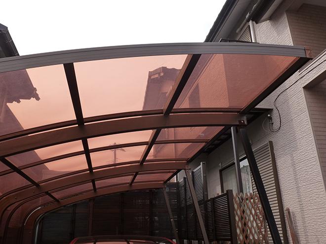 ポリカーボネート製のカーポート屋根