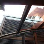 ポリカ屋根が割れてしまった箇所