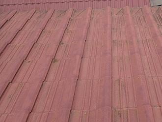 黒ずみ、カビが発生したセメント屋根