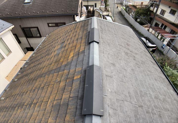 コロニアルNEOの屋根材が使われていた