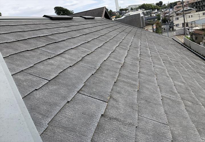 コロニアルNEOの屋根は割れやすい