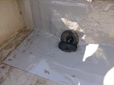 防水と排水管が一体になりました