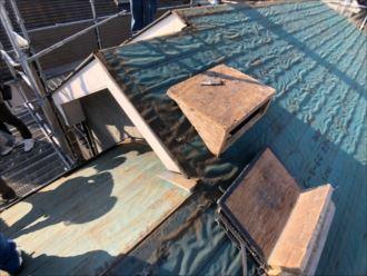 防水紙だけになった屋根