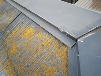 棟板金の釘の緩みや浮きがないか