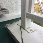 板金の笠木に手摺を固定すると雨漏りの危険性