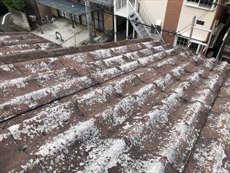 塗装が剥げたかわらUの屋根