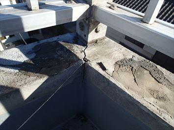 豊島区池袋本町で陸屋根三階建ての三階の雨漏りの調査を行いました