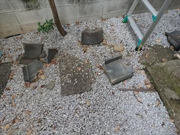 中野区鷺宮で下地が腐食して落下した瓦屋根を木下地を補強して復旧します