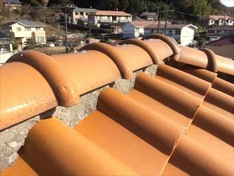 瓦屋根の棟にはメンテナンスが必要です