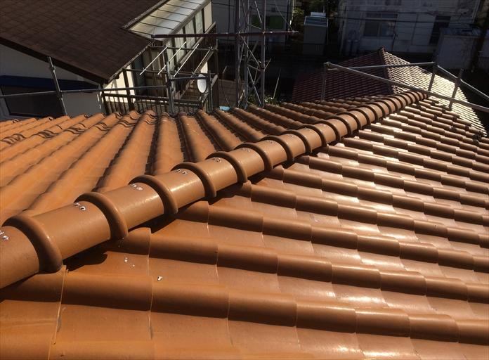 洋風な瓦屋根のメンテナンス