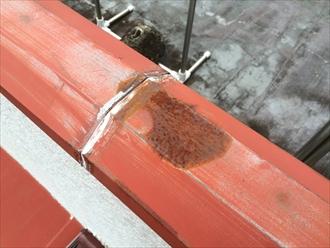 品川区戸越で板金部分の調査、笠木や庇からも雨漏りが発生する危険性があります