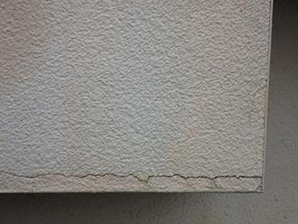 大田区西糀谷にて屋根と同時にモルタル外壁も無料点検、外壁塗装も承ります