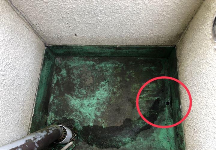 小平市津田町にてバルコニーからの雨漏りを調査しました