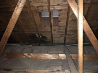 小屋裏からの雨漏り確認