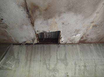 水下側の雨漏り