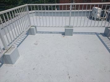 劣化している屋上防水