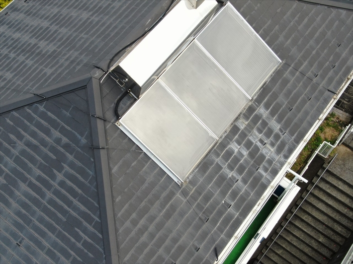 稲城市平尾で太陽光温水器を撤去してスーパーガルテクトで屋根カバー工事