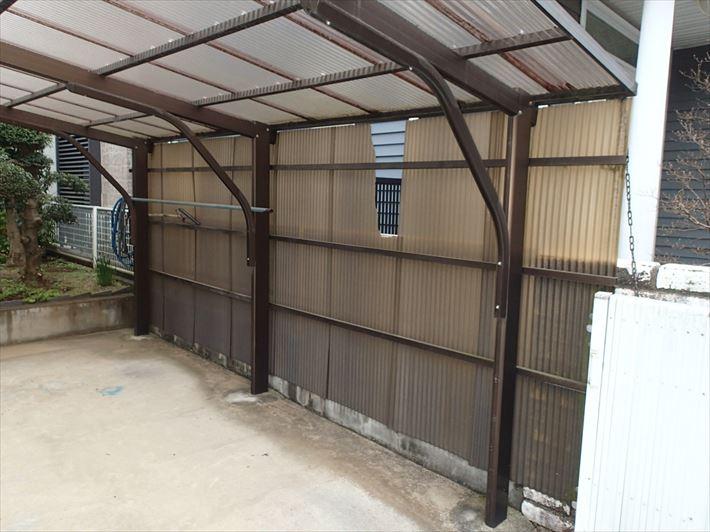 葛飾区東金町で台風被害にあった塩ビ波板をポリカ波板に交換工事しました