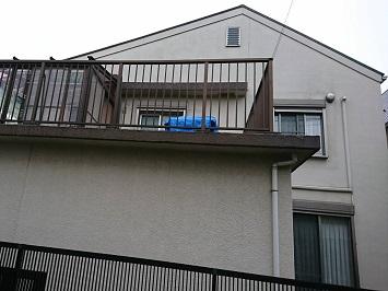 増築した際に屋根をつなげたことで勾配が緩くなっています