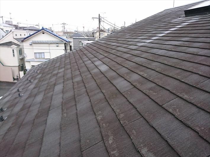 稲城市向陽台にて雨漏りの点検を行ったのは屋根の勾配が緩いお宅でした