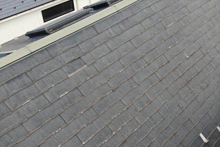スレート屋根の落下が発生