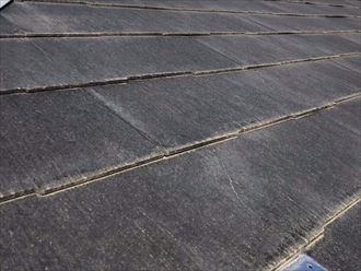 屋根のひび割れの発生