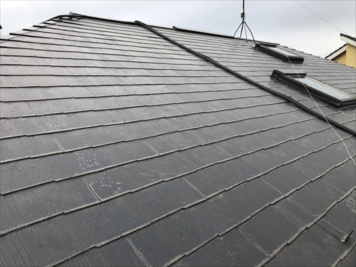 一見すると普通のスレート屋根