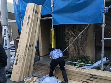 葛飾区立石でスーパーガルテクトを使った屋根カバー工事を始めます
