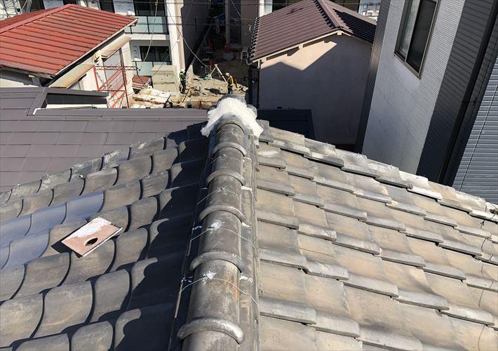 文京区大塚にて鬼瓦を漆喰を使い補強しました