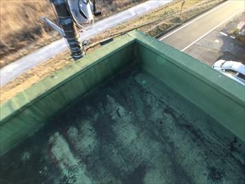 隅の方は水が溜まりやすい部分になります