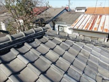 のし瓦が抜け落ちている屋根